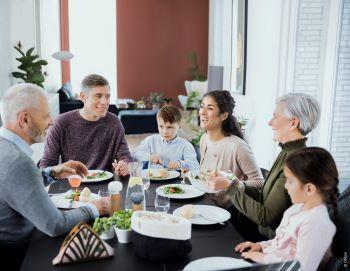 Oticon Xceed jantar em familia